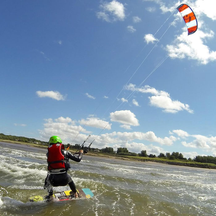 Kitesurfing Lessons Scotland - Edinburgh, Troon, Glasgow, Fife, Dundee