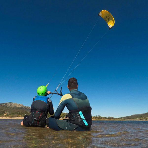 Kitesurfing lessons Scotland - Edinburgh Glasgow Dundee Aberdeen Inverness
