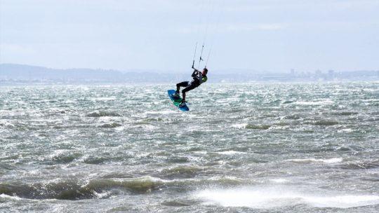 Big Air Weekend - Kitesurfing Lessons Scotland - Kitesurf Scotland School - Edinburgh, Glasgow, Dundee, Aberdeen, Inverness - Kitesurfing Lessons